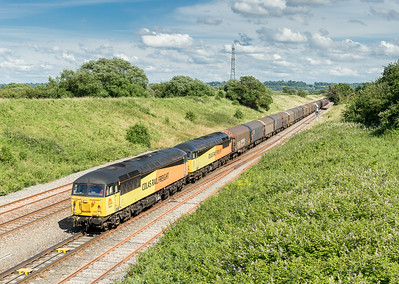 050714  The reason for being here and I  finally get a grid on 6V62,the added bonus is that its double headed......56087 and 56105 pass Pilning with the 6V62  11:20 Tilbury-Llanwern.Was well stuffed a few weeks ago with the same scenario,so well pleased with this.Nice meeting J and PS.
