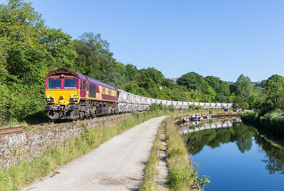 130614   For the second time in a week back to Coulson park......66176 heads down the branch with 6G06  07:40 Goonbarrow-Fowey,what a mornings photography.
