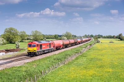 170514  A trip to see some Saturday freights it was cloudless until we got to near Shrinenham,still it looked fine,what could go wrong....... 60040 passes Shrivenham on 6B33  11:27 Theale-Margam