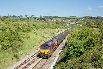 090514  As can be seen I need not have worried as the clearance had come through.The lonely assistant bags 66127 on the 1026 Dollands Moor to Margam passing Chipping Sodbury.