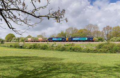 090514   We were all set to drive home but decided to give the Bridgwater nukes a go.By this time we now had about 15% sun so well pleased we got this as the locos were positively sparkling.......57604 and 37610 head the 6M63 TFO-Q 11:58 Bridgwater-Crewe through Ram Hill.