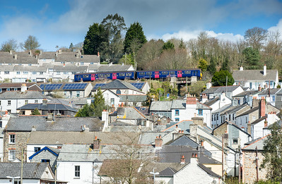 110415   150122 heads upgrade to Gunnislake through the metropolis of Calstock