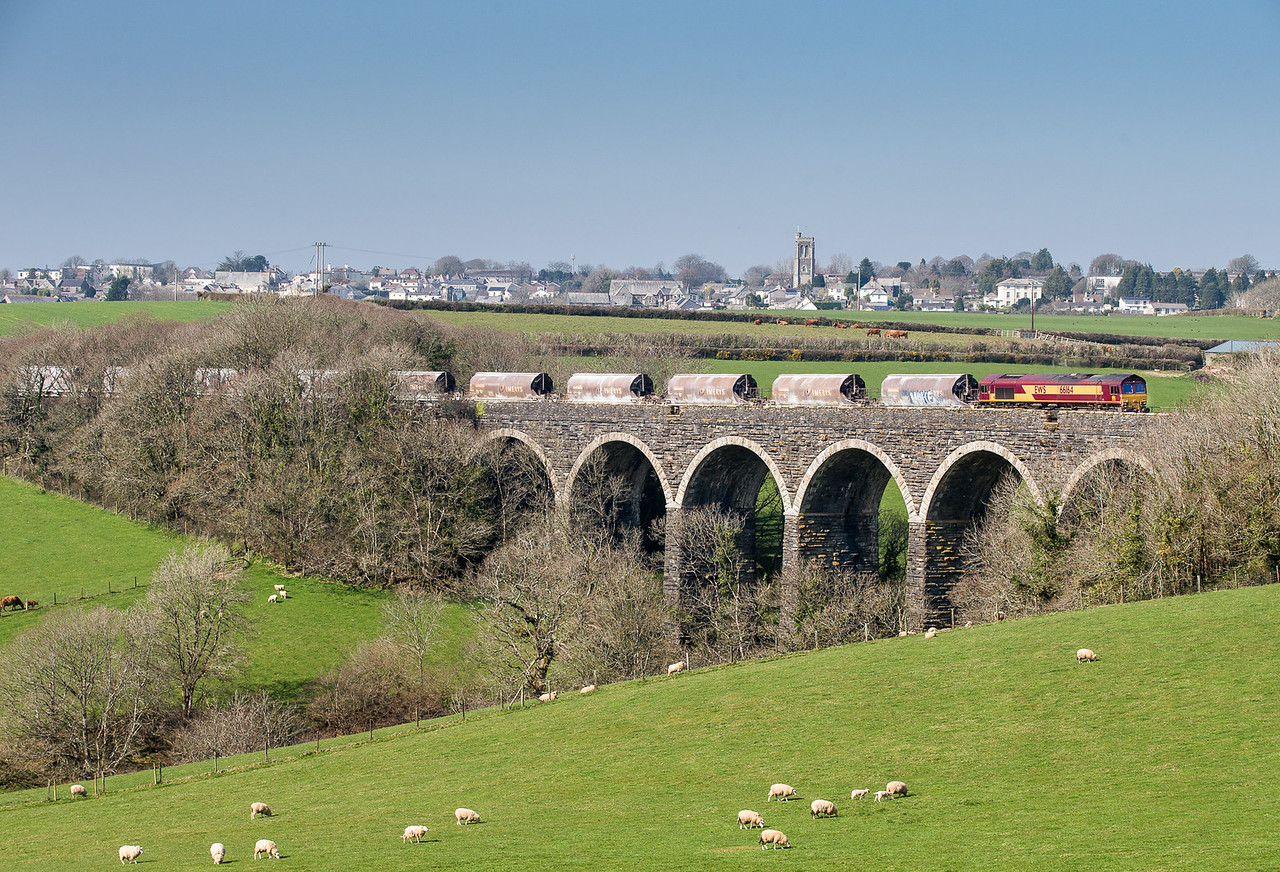 """090415  The last shot of our Cornish """"freight fest"""" day.......  With Liskeard as a backdrop,66164 heads over Bolitho Viaduct with the 6C53  ThO 15:06 St.Blazey-Exeter Riverside.These were the JIA's loaded at Par yesterday.The ones from Treviscoe will go up later in the evening."""
