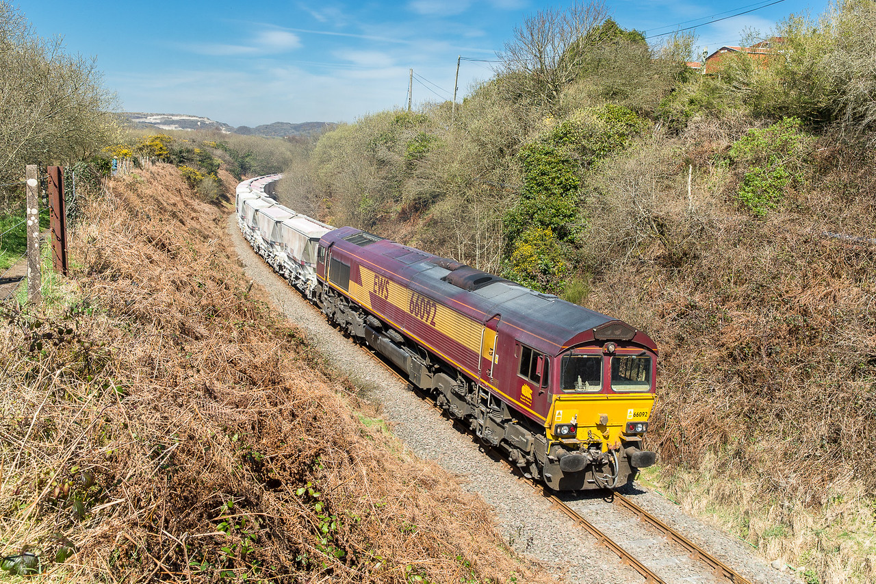 080415   With the light going off the front to Treviscoe a swift move was made......66092 passes Foxhole with the 6P24 14:24 Treviscoe-Fowey