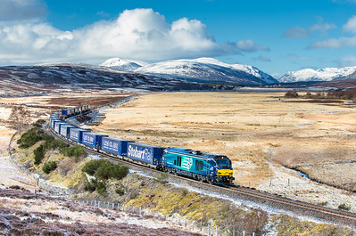 270416, .68020 sweeps around the curve at Crubenmore with the 4H47 05:04 Mossend-Inverness