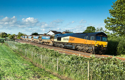 180516  66847 TnT 66848 pass Stoke Canon with the 6C38 1732 Westbury Down T.C. to Penwithers Jn