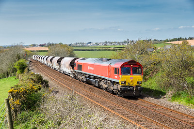050516   66101 heads past Bolitho with the 6C53   ThO 15:06 St.Blazey-Exeter Riverside.Got bowled with the same loco 5 weeks ago so did not think I would have another go so soon.
