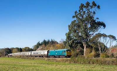 061116   D5081 heads into Bishops bridge loop with the 1115 Buckfastleigh to Totnes