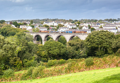 161016   The assistant almost gets some decent sun....66160 TnT 66238 head the 3J15   12:53 Par-Falmouth-St.Blazey over Collegewood viaduct.