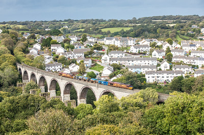 161016   Iam pretty sure this is the first loco I have seen here,10 seconds earlier and everything was in stonking light,oh well....66160 TnT 66238 head the 3J15   12:53 Par-Falmouth-St.Blazey over Collegewood viaduct.