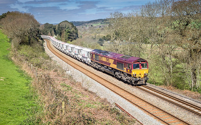 050417   66175 heads up Treverrin bank with the 6G07  13:20 Fowey-Goonbarrow (taken with camera on a pole)