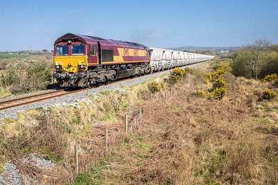 "070417   On a ""pole roll"" today....66175 has just passed menadue crossing and nears journeys end with the 6G07  13:20 Fowey-Goonbarrow"