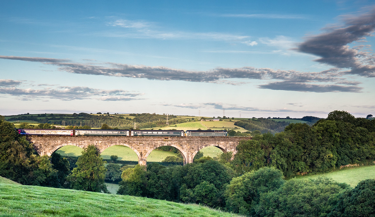 57605 heads over Bolitho viaduct with the 1C99 2345 London Paddington to Penzance