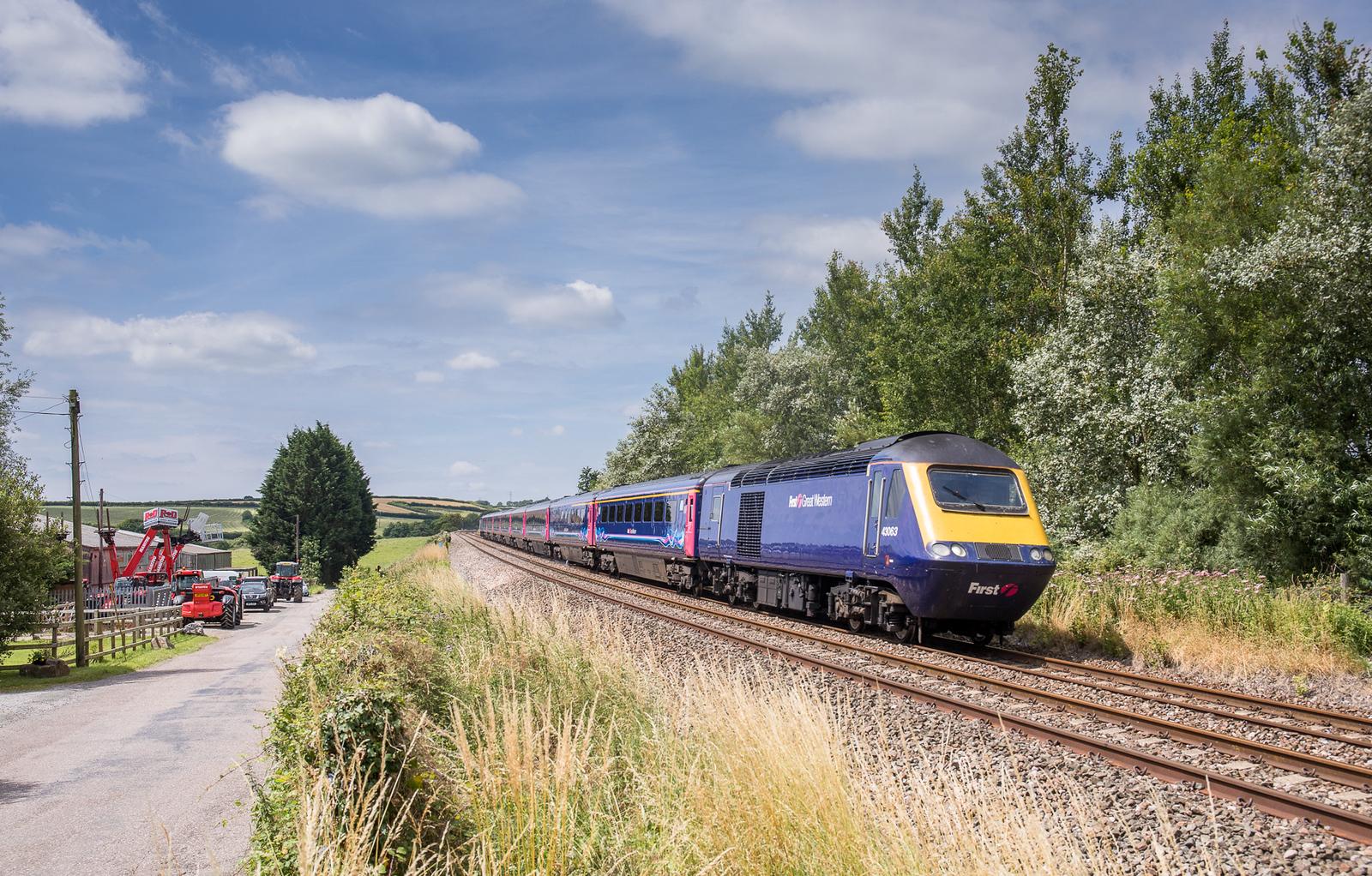 170717  43063 heads the 1A83 1000 Penzance to London Paddington  near tigley