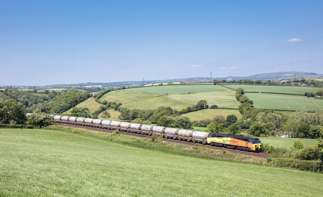 250517  After running around at Liskeard 70812 nears Menheniot with the 6C36  ThO  1138 Moorswater-Aberthaw cement works