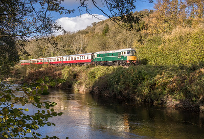 051117 Class 33 D6501 heads down the River dart with the 1300 Buckfastleigh - Totnes