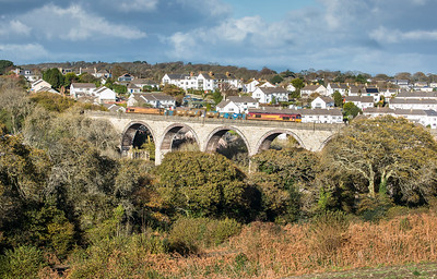 121117  .66127 TnT 660027 heads the  3J15  12:53 Par-Falmouth-St.Blazey RHTT working over Collegewood viaduct