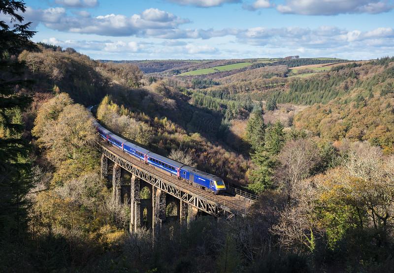 081117  43032 heads the 1A83 1000 Penzance to London Paddington over Largin Viaduct
