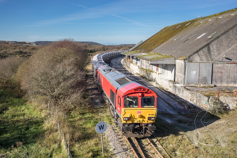 171117  66085 heads past Treviscoe with its first trip down to burngullow