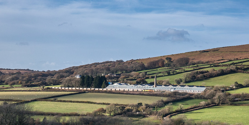 70806 heads past the Ivybridge clay works dries at Canrtrell