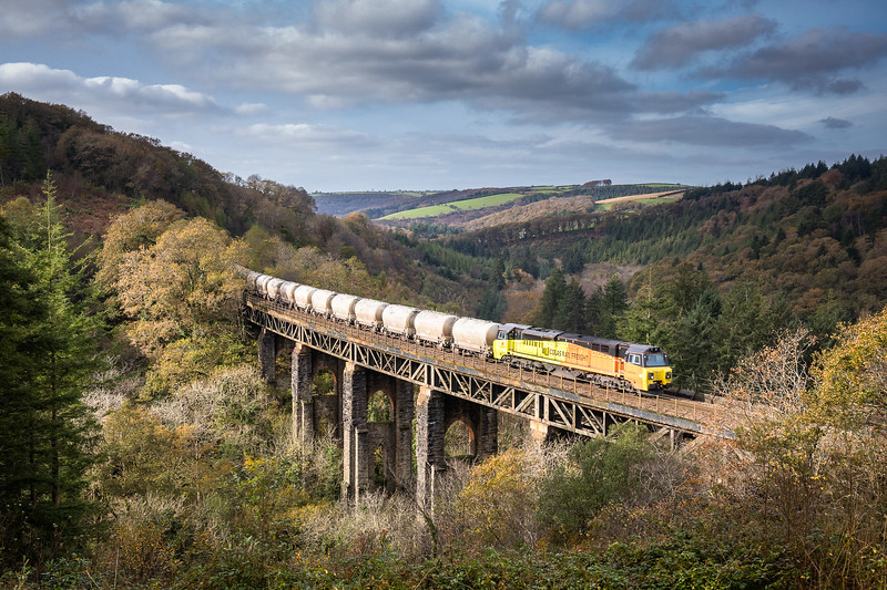 011117   After a run round in Lostwithiel and (thankfully) runn ing 40 late 70816  heads over Largin viaduct with the 6C35   WO  02:50 Aberthaw cement works-Moorswater