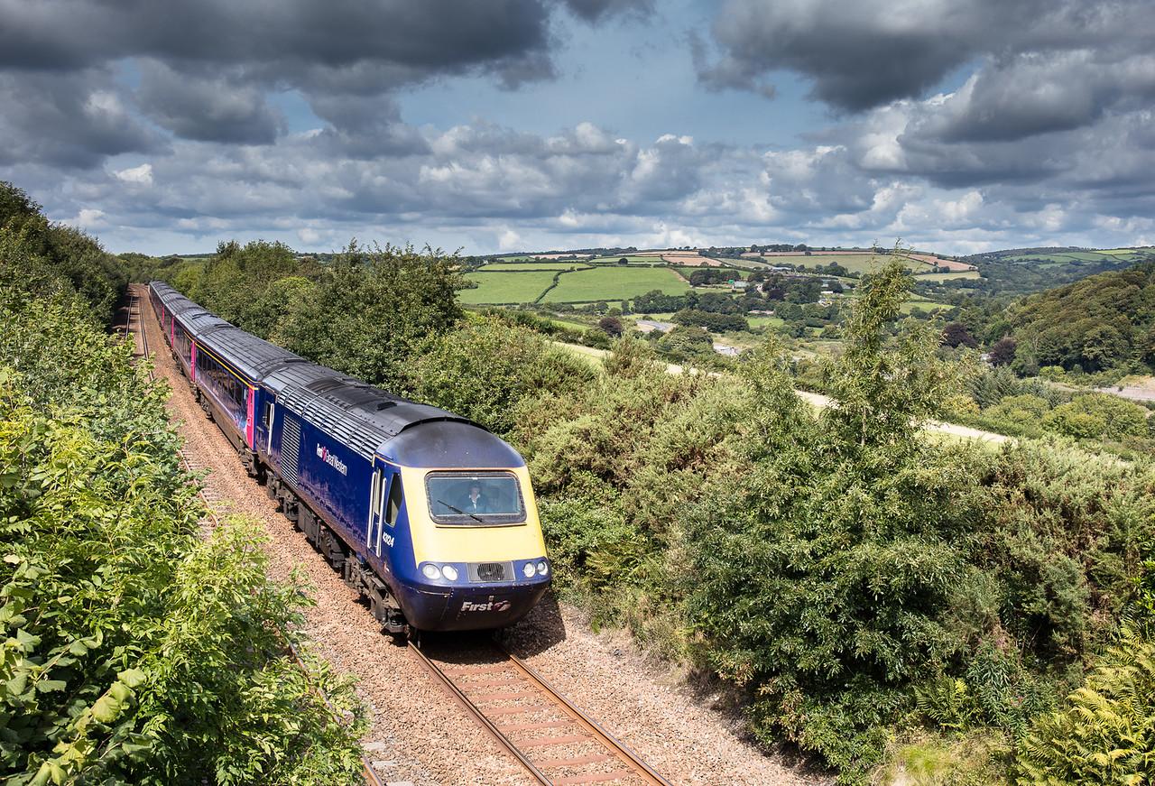 020917   43124/43163 head the 1A85 1100 Penzance to London Paddington onto Moorswater viaduct.