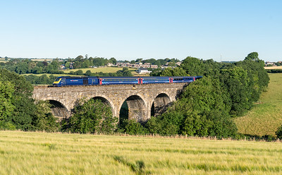 090718  .43079 heads the 1A77 0541 Penzance to London Paddington oever Bolitho Viaduct