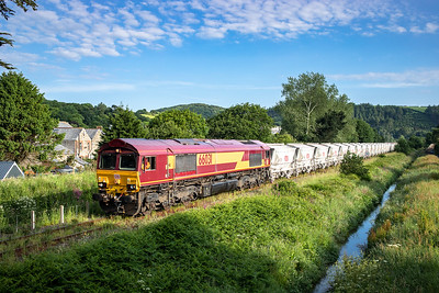 040618   .66031 approaches Par middleway with the 6G06   07:39 Goonbarrow-Fowey