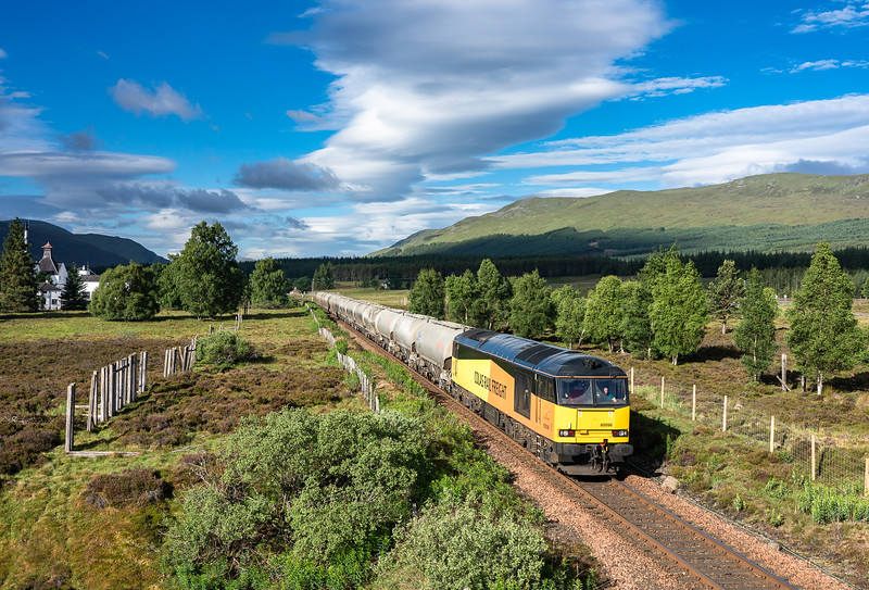 60096 has just past Dalwhinnie and is about to head up Glen Truim with the  6H51 02:48 Oxwellmains-Inverness