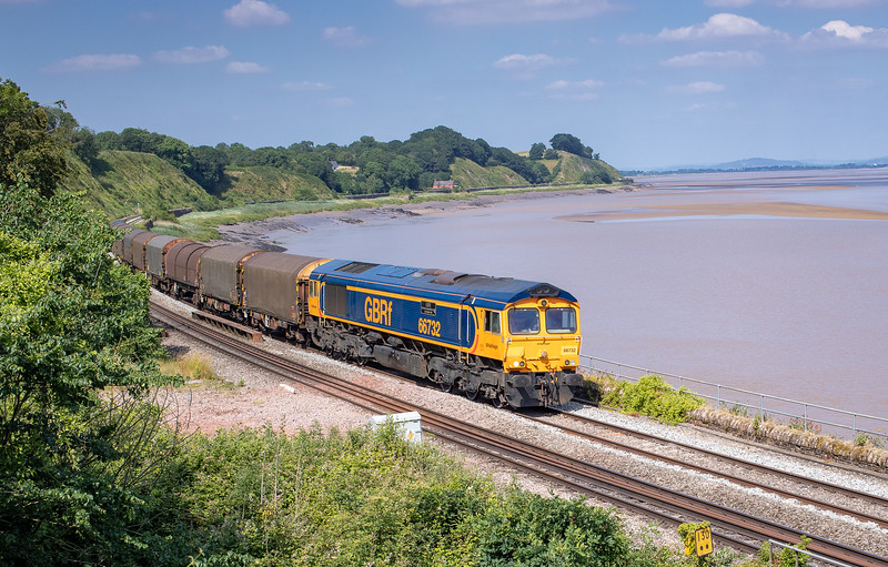 280618   .66732 pases Lydney with the diverted 6V30 0949 Grain Thamesport (Gbrf) to Margam T.C.