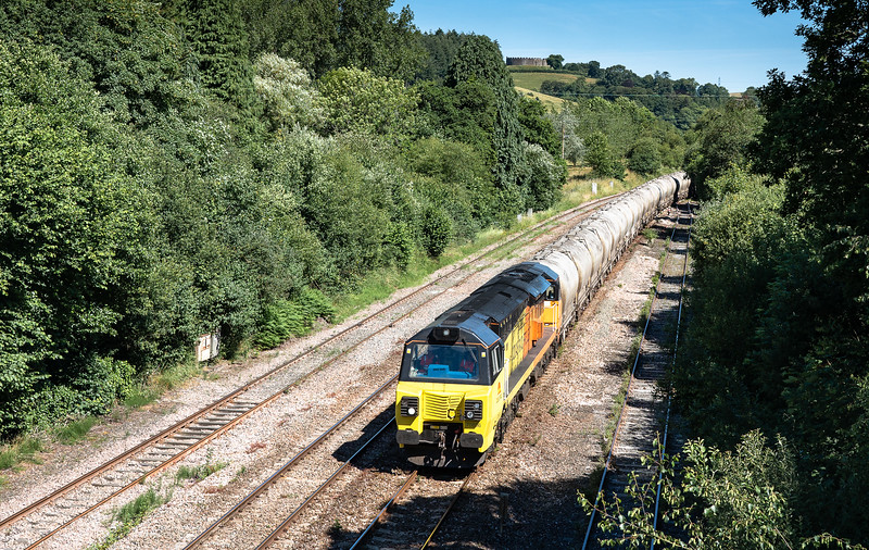 270618   70806 arrives at lostwithiel with the 6C35   WO  02:50 Aberthaw cement works-Moorswater