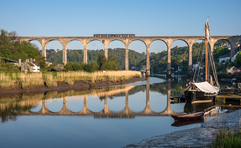 070518  FGW class 150 heads over calstock viaduct with the 2G63 0641 Plymouth to Gunnislake
