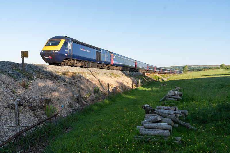 230518,,  43147 heads the 1A75 0505 Penzance to London Paddington past Fardel Bridge near,Blatchford.