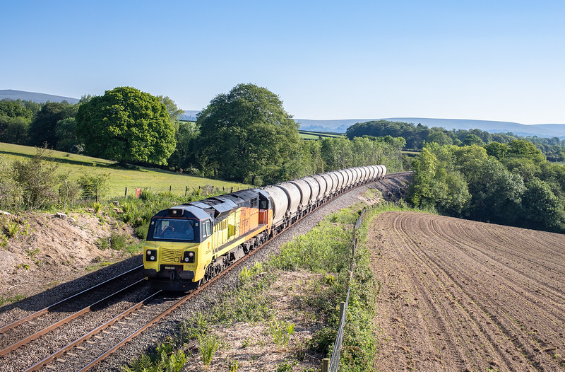 230518,   70816 nears Hemerdon loop  with the 6C35 02:50 Aberthaw cement works-Moorswater