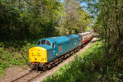 050518  37142 glides down the grade at Dreasdon with the 1120 General-Parkway service