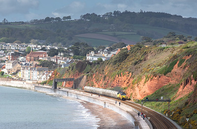 030518  70804 passes dawlish with the 09:45  6B36 08:16 Moorswater-Aberthaw cement works