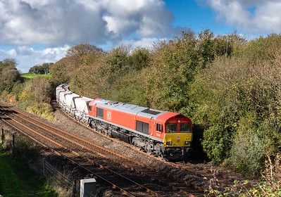 261018  66165 drifts into burngullow with the first  portion of 6P24 15:25 Parkandillack-Fowey
