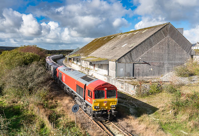 261018   .66165 passes Treviscoe in a lucky patch of sun with the 2nd portion of  6P24 15:25 Parkandillack-Fowey