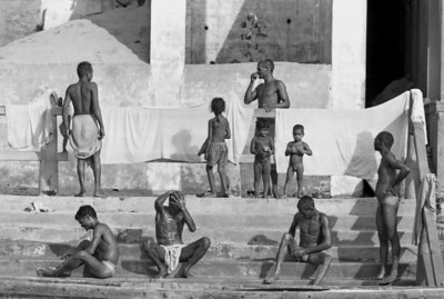 On the ghats, Varanasi - India, 1974