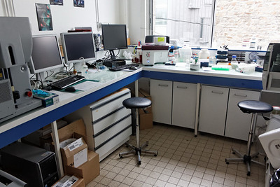 The flow cytometry Lab - Station Biologique de Roscoff - Jan 2012