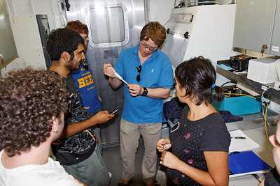 Pater and Carlos demonstrating flow cytometry on the InFlux