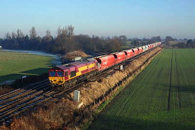 66117 passes Whitley Bridge junction on 6D96 13:30 Drax PS - Milford West sidings, 29/12/16