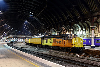 37116 stands at York pl 5 on 1Q06 18:45 Doncaster West Yard - Heaton, 15/11/16