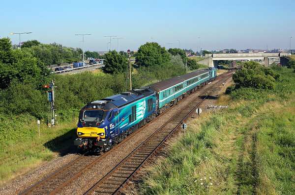 68016 heads away from Great Yarmouth past Runham Vauxhall on 2P29 17:17 Great Yarmouth - Norwich, 19/07/16