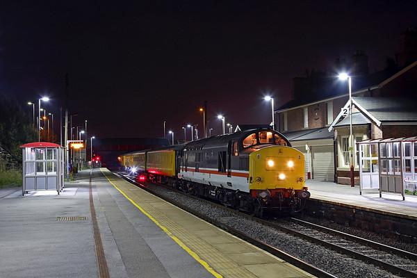37254 stands at Moorthorpe on 3Q21 18:33 Derby RTC - Darlington test train, 13/09/16