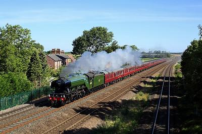 60103 'Flying Scotsman' passes Ulleskelf on 1Z44 09:45 York - Carlisle 'The Waverley' 13/08/17