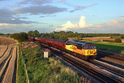 56302 passes Burton Salmon on 1Z27 17:15 Scarborough - Carnforth 'Spa Express' 31/08/17 *Taken using a pole