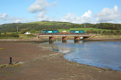 68004 + 68025 cross the viaduct at Ravenglass on the early running 6C52 16:19 Heysham - Sellafield flasks, 30/08/17 *Taken using a pole