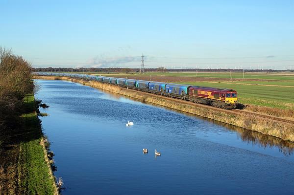 66160 runs along the canal towards Godnow Bridge on 4R50 10:31 Drax PS -  Immingham empty iomass, 04/12/17 *Taken using a pole