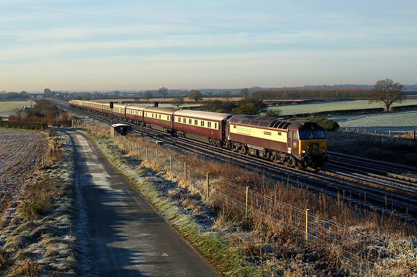 57305 passes Brumber on 5Z56 06:01 Crewe - Darlington 'Northern Belle' ecs, 12/12/17 *Taken using a pole